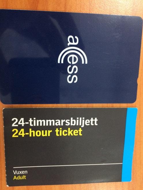Top: SL card. Bottom: paper ticket.